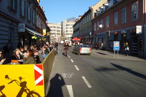 Dvosmjerna ulica (za bicikliste) - Graz